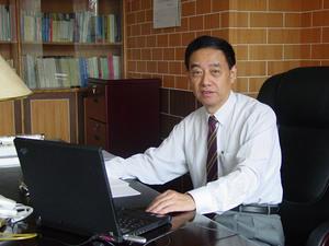 侯朝焕/中国科学院院士